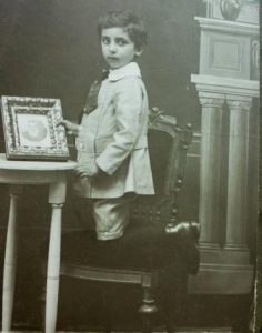 Roger Spalter als kind. Collectie J.A. Spalter.