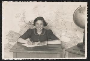 Schoolfoto van Rosa genomen in mei 1937. Joods Historisch Museum F009654.