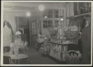 De winkel van Labzowski in 1940. Joods Historisch Museum F009654