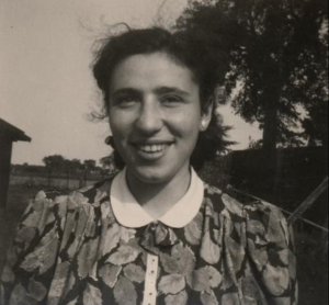 Rosa Labzowski in 1941. Joods Historisch Museum F 007861.