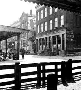 Hotel de Beer aan de Veemarkt, eerder Hotel-Restaurant Frenk.